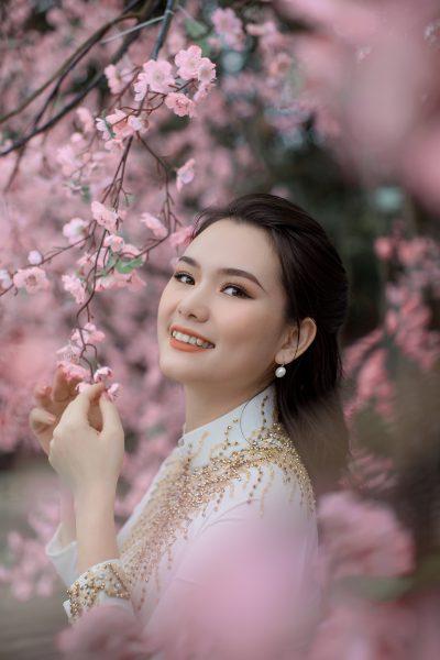 Doanh nhân Phạm Hà đẹp rạng ngời bên tà áo dài đón xuân